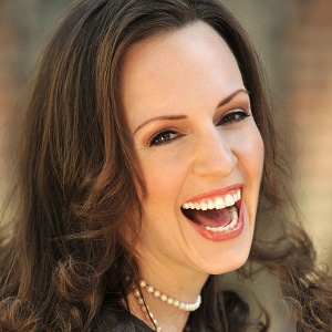 Desiree Duray-multi-lingual-German-English-Dutch-presenter-host-moderator-at-Great-British-Speakers
