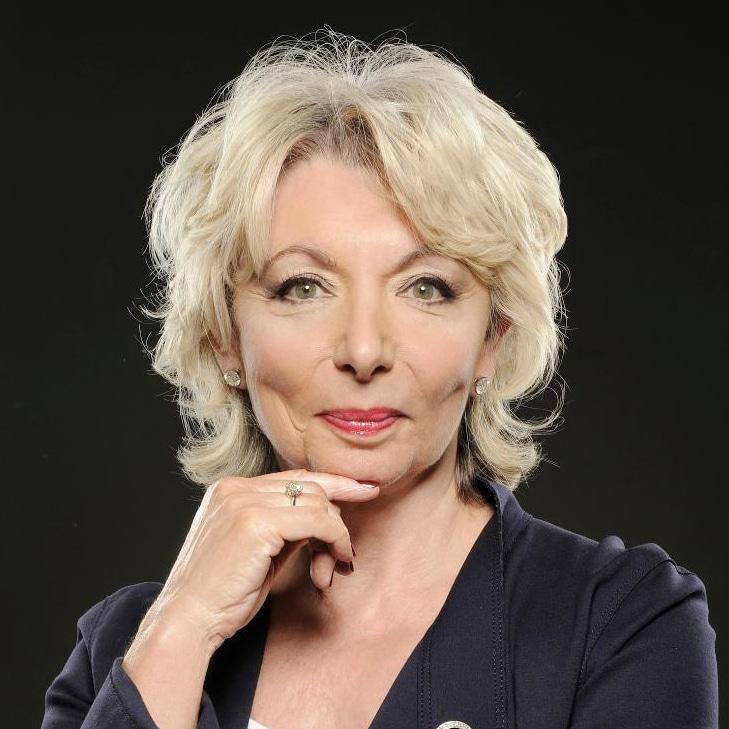Judy-Naake-St-Tropez-tan-founder-entrepreneur-speaker-at-Great-British-Speakers