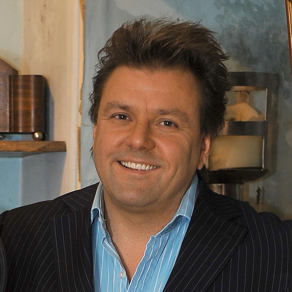 Martin-Roberts-travel-property-presenter-expert-speaker-host-at-Great-British-Speaker