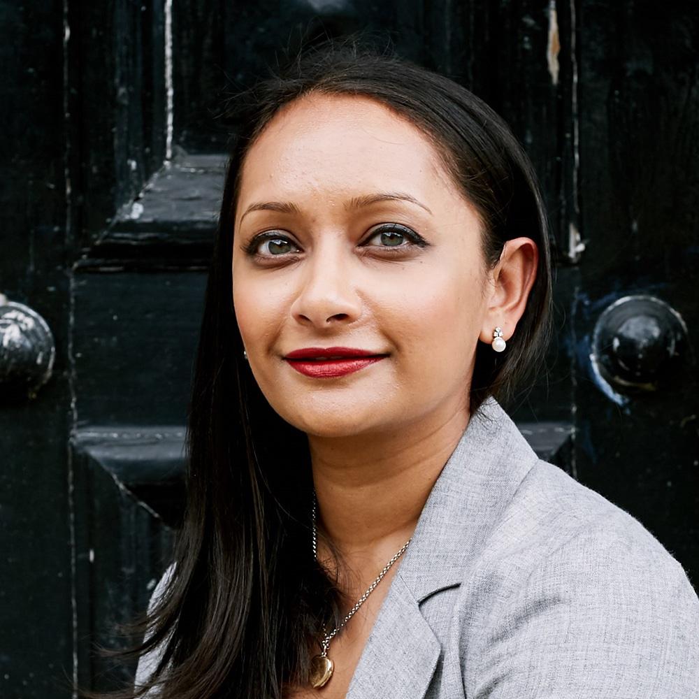Poorna-Bell-womens-journalism-women-business-wellness-mental-health-speaker-at-Great-British-Speakers