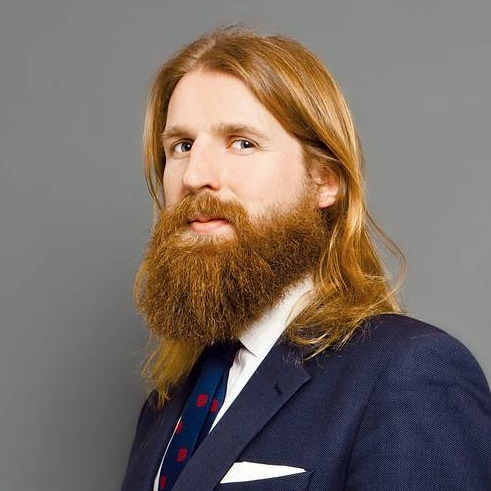 Sanderson-Jones-entrepreneur-stand-up-comedian-sales-technology-startups-advertising-marketing-at-Great-British-Speakers