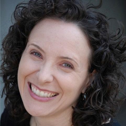 american-female-voiceover-artist-karyn