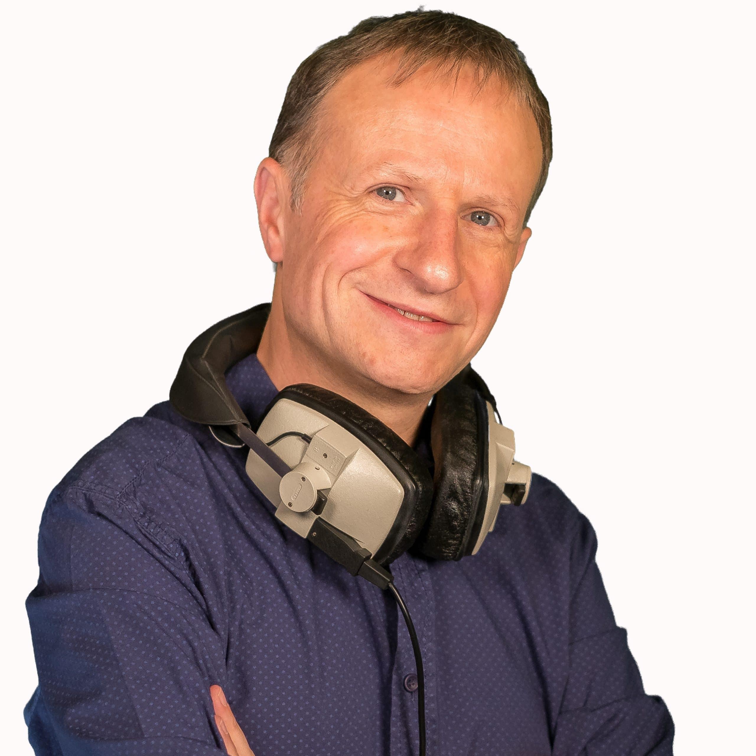 makr-r-british-broadcaster-voiceover-artist