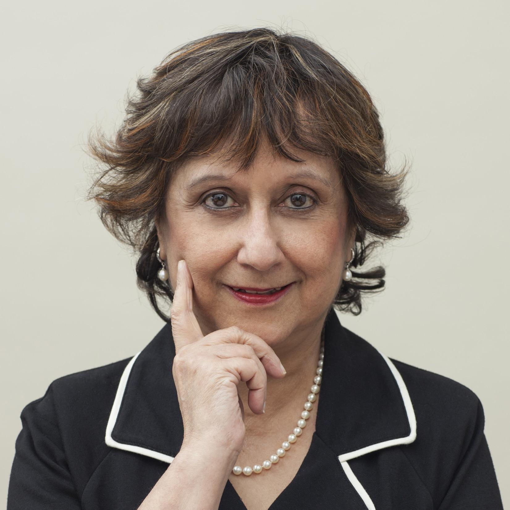 Yasmin-Alibhai-Brown-multiculturalism-equality-diversity-speaker-presenter-TV-broadcaster-writer-at-Great-British-Speakers