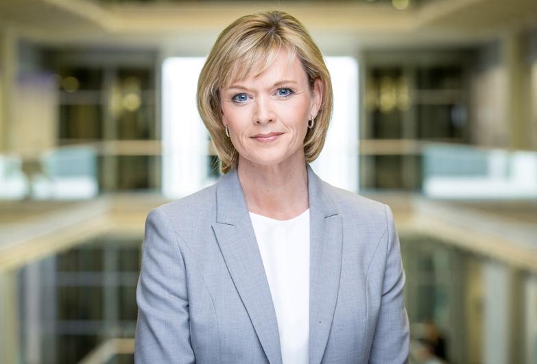 Julie Etchingham - Anchor ITV News at Ten ITV Tonight SKY BBC Journalist Corporate event host Great British Speakers